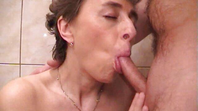 Anal strapon lesbienne avec Phoenix Marie et Ava Addams video x gratuite en hd